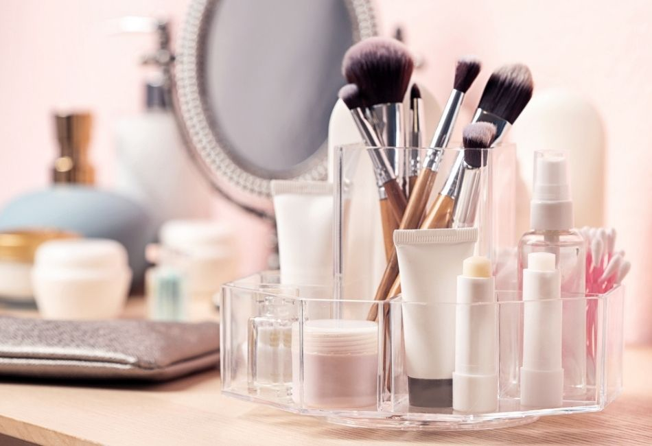 Make-up Aufbewahrung ordnung schaffen Kosmetik sortieren Boxen Behälter Acryl