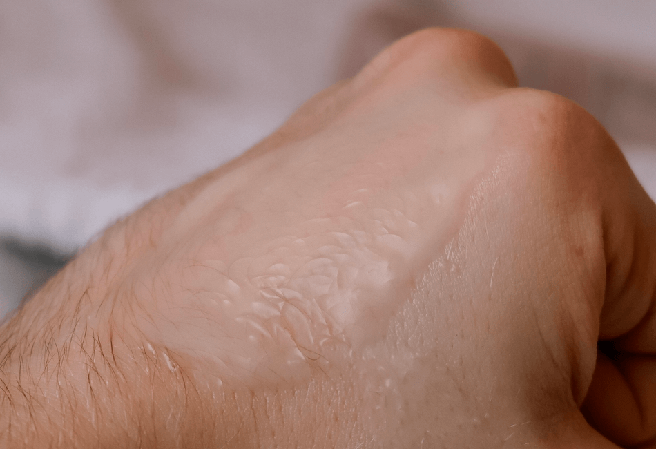 Reinigungsbalsam zu Öl massiert