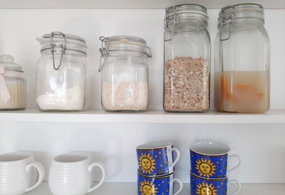 Lagere dein Reiswasser in Gläsern die gut verschlossen sind Reiswasser für die Haare Yao Haarwachstum