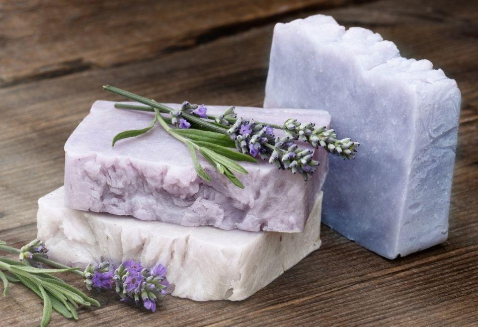 Lavendelseife Wirkung Anwendung und Rezept