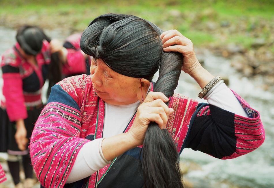 Unendliche lange starke Haare durch Reiswasser Das Gehemnis der Yao Frauen