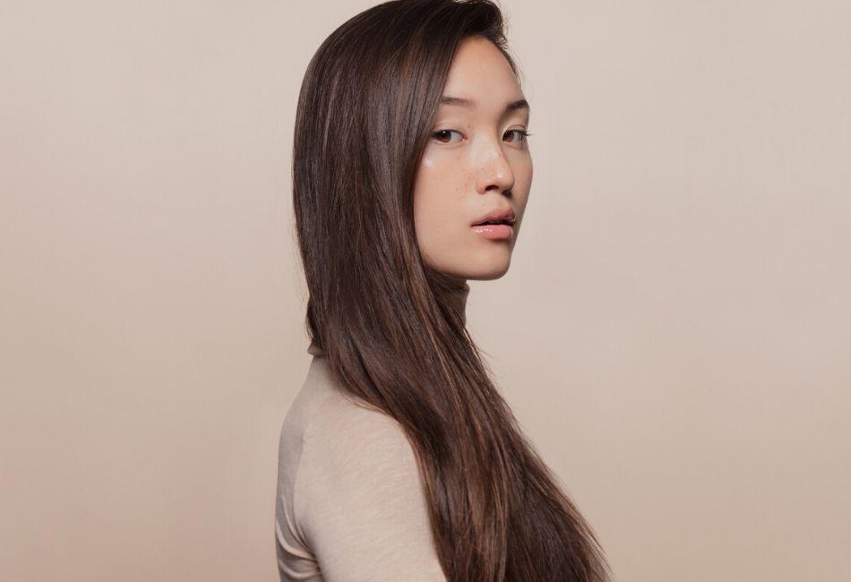 Langes starles Haar durch Reiswasser Anwendung
