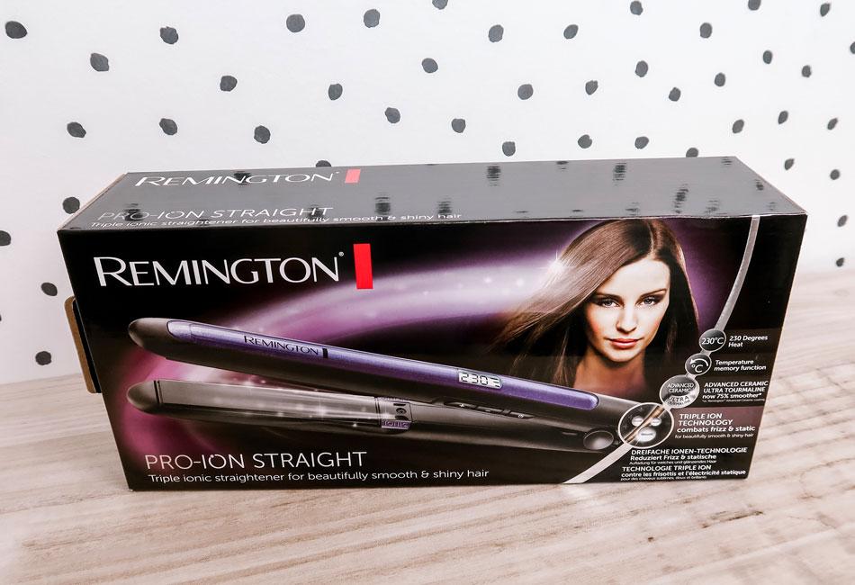 Das Remington Glätteisen wird in einem auffälligen Karton geliefert