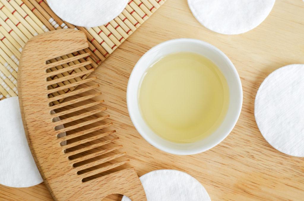 Rizinusöl für die Haare: Das beste Öl, Anwendung, Vorteile
