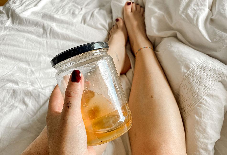 Sugaring Paste in Glas